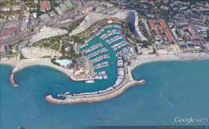 24 x 7 m berth port marina baie des anges villeneuve. Black Bedroom Furniture Sets. Home Design Ideas